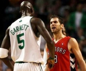 This is one of my favourite Jose Calderon moments and one that demonstrates Jose's team first mentality.